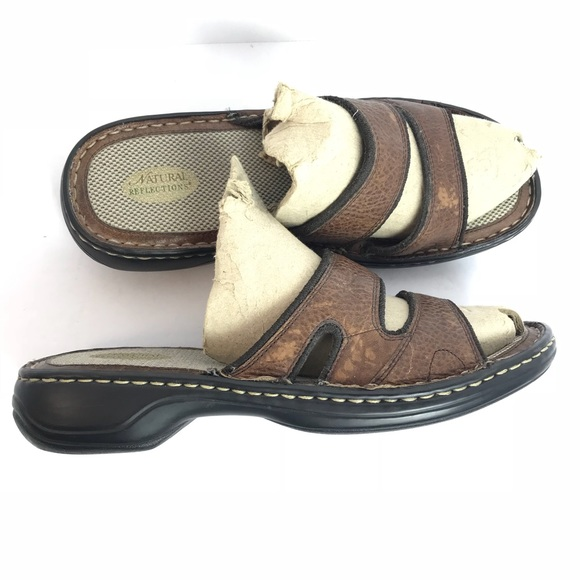 68e1ef539a3075 Women's Natural Reflections Leather Sandals.